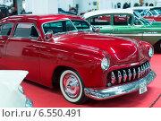 Купить «Luxury vintage automobile at exhibition», фото № 6550491, снято 3 октября 2014 г. (c) Яков Филимонов / Фотобанк Лори