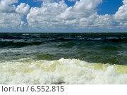 Купить «Балтийская волна», фото № 6552815, снято 20 июля 2013 г. (c) Сергей Трофименко / Фотобанк Лори