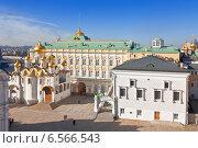 Купить «Вид на Московский Кремль сверху», фото № 6566543, снято 21 сентября 2010 г. (c) Наталья Волкова / Фотобанк Лори