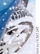 Купить «closeup of car wheel», фото № 6567247, снято 16 января 2014 г. (c) Syda Productions / Фотобанк Лори