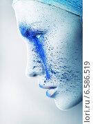 alien woman with blue powder. Стоковое фото, фотограф Александр Буц / Фотобанк Лори