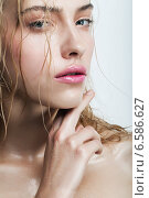 blond woman with water drops. Стоковое фото, фотограф Александр Буц / Фотобанк Лори