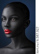 Woman with shiny lips and creative make-up. Стоковое фото, фотограф Александр Буц / Фотобанк Лори