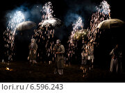 Фаер-шоу (Fire-show) (2014 год). Редакционное фото, фотограф Карина К. / Фотобанк Лори