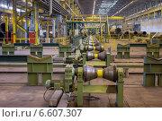 Купить «Линия для прокатки стальных трубопроводов на металлургическом заводе», фото № 6607307, снято 3 апреля 2014 г. (c) Кекяляйнен Андрей / Фотобанк Лори