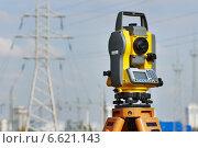 Купить «Surveyor equipment at construction site», фото № 6621143, снято 6 октября 2014 г. (c) Дмитрий Калиновский / Фотобанк Лори