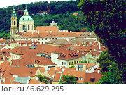 Вид на черепичные крыши, Прага (2009 год). Стоковое фото, фотограф Виноградова Вероника / Фотобанк Лори