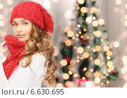 Купить «young woman in winter clothes», фото № 6630695, снято 10 октября 2010 г. (c) Syda Productions / Фотобанк Лори