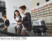 Купить «Hotel reception with bell», фото № 6631755, снято 15 октября 2014 г. (c) Дмитрий Калиновский / Фотобанк Лори