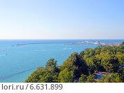 Купить «Вид на Черное море и морской порт Сочи», эксклюзивное фото № 6631899, снято 12 сентября 2014 г. (c) Александр Замараев / Фотобанк Лори