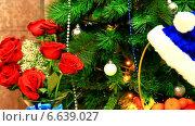 Купить «Новый Год. Огоньки мелькают на елке», видеоролик № 6639027, снято 31 декабря 2013 г. (c) Виктория Катьянова / Фотобанк Лори