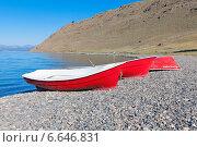 Рыбацкие лодки на берегу. Редакционное фото, фотограф Артем Мишуков / Фотобанк Лори