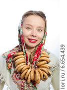 Красивая русская женщина с баранками. Стоковое фото, фотограф Абызова Елена / Фотобанк Лори