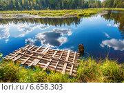 Осенний пейзаж с озером в Карелии, Россия. Стоковое фото, фотограф Alexander Shadrin / Фотобанк Лори