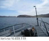 Вид на остров Ольхон и Байкал с палубы парома (2012 год). Стоковое фото, фотограф Татьяна Ломакина / Фотобанк Лори
