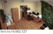 Купить «Имитация картинки с камеры видеонаблюдения, установленной под потолком, таймлапс», видеоролик № 6662127, снято 13 ноября 2014 г. (c) Кекяляйнен Андрей / Фотобанк Лори