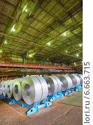 Оцинкованная сталь в рулонах. Стоковое фото, фотограф Iordache Carmen Anne Marie / Фотобанк Лори