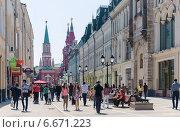 Купить «Улица Никольская, Москва, Россия», фото № 6671223, снято 18 мая 2014 г. (c) Юрий Губин / Фотобанк Лори
