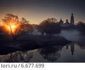 Купить «Апрельский рассвет над рекой и монастырём», фото № 6677699, снято 17 апреля 2014 г. (c) Лушпа Роман / Фотобанк Лори