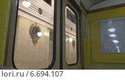 Метро. Двери закрываются. (2014 год). Редакционное видео, видеограф Звездочка ясная / Фотобанк Лори