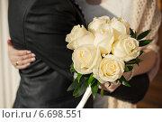 Букет красивых цветов в руках невесты. Стоковое фото, фотограф Алёна Замотаева / Фотобанк Лори