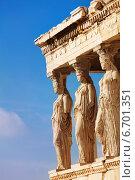 Купить «Статуи Эрехтейона в Афинах, Греция», фото № 6701351, снято 5 января 2014 г. (c) Сергей Новиков / Фотобанк Лори