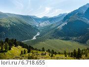 Купить «Вид на долину реки Ярлу», фото № 6718655, снято 30 июля 2018 г. (c) Вячеслав Скоробогатов / Фотобанк Лори