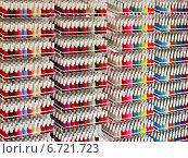 Купить «Бутылочки с лаком для ногтей на стенде», фото № 6721723, снято 18 апреля 2013 г. (c) Vasily Smirnov / Фотобанк Лори
