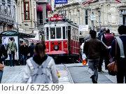 Купить «Трамвай в Турции. Стамбул.», фото № 6725099, снято 11 апреля 2014 г. (c) Дмитрий Петренко / Фотобанк Лори