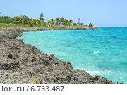 Купить «Вид на пляж из песчаника. Куба, Карибское море», фото № 6733487, снято 17 июня 2014 г. (c) Александр Овчинников / Фотобанк Лори