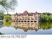 Купить «Частный особняк  на ВДНХ», эксклюзивное фото № 6742027, снято 8 мая 2010 г. (c) Алёшина Оксана / Фотобанк Лори