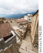 Купить «Узкие улочки средневекового города Baunei, Сардиния, Италия», фото № 6742091, снято 28 января 2020 г. (c) Mikhail Starodubov / Фотобанк Лори