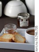 Купить «Кофе и тосты», фото № 6746735, снято 1 июня 2013 г. (c) Елена Корнеева / Фотобанк Лори