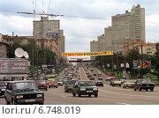 Купить «Moscow, dense traffic on a street in the inner city», фото № 6748019, снято 17 августа 1998 г. (c) Caro Photoagency / Фотобанк Лори