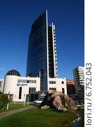 """Офисное здание """"Гринвич"""", Новосибирск (2011 год). Редакционное фото, фотограф Василий Васильев / Фотобанк Лори"""