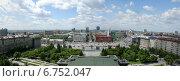 Площадь Ленина с оперного театра. Редакционное фото, фотограф Василий Васильев / Фотобанк Лори