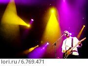 """Купить «Выступление группы """"Сплин"""" в клубе А2. 26 апреля 2013 года», эксклюзивное фото № 6769471, снято 26 апреля 2013 г. (c) Ольга Визави / Фотобанк Лори"""