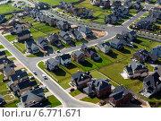 Купить «Вид сверху на новый коттеджный поселок в Московской области», фото № 6771671, снято 12 сентября 2012 г. (c) Николай Винокуров / Фотобанк Лори