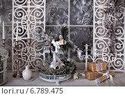 Новогодний натюрморт на подоконнике. Стоковое фото, фотограф Кравченко Юлия / Фотобанк Лори