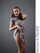 Купить «Девушка в коротком летнем платье. Студийный портрет», фото № 6792819, снято 9 декабря 2014 г. (c) Момотюк Сергей / Фотобанк Лори