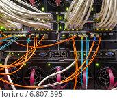 Купить «Ооптические и UTP кабели», фото № 6807595, снято 16 января 2019 г. (c) Mikhail Starodubov / Фотобанк Лори