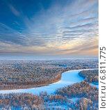Купить «Река в зимнем лесу, вид сверху», фото № 6811775, снято 15 января 2009 г. (c) Владимир Мельников / Фотобанк Лори