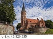 Купить «Костел Витовта Великого на реке Неман, Каунас, Литва», фото № 6826535, снято 15 августа 2014 г. (c) Gagara / Фотобанк Лори