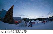 Люди на горнолыжном курорте, таймлапс. Стоковое видео, видеограф Леван Каджая / Фотобанк Лори