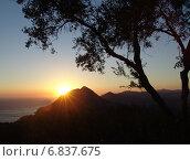 Закат на острове Корфу. Стоковое фото, фотограф Vladimir Oboliaev / Фотобанк Лори