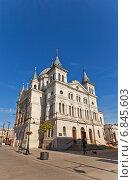 Католический костел Сошествия Святого Духа (построен в 1828 г., нынешний вид с 1892 г.) в г. Лодзь, Польша. Архитектор Otto Gehlig (2014 год). Стоковое фото, фотограф Иван Марчук / Фотобанк Лори
