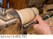 Изготовление матрешки на токарном станке. Стоковое фото, фотограф Аркадий Рыпин / Фотобанк Лори