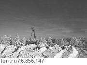 Купить «Опора ЛЭП в снегу», эксклюзивное фото № 6856147, снято 15 декабря 2014 г. (c) Валерий Акулич / Фотобанк Лори