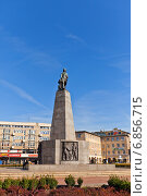 Памятник Тадеушу Костюшко на Площади Свободы в г. Лодзь, Польша. Возведен в 1930 г., перестроен в 1960 г. Работа скульптора Mieczyslaw Lubelski (2014 год). Редакционное фото, фотограф Иван Марчук / Фотобанк Лори