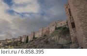 Купить «Замок Алькасаба на горе. Малага, Андалусия, Испания», видеоролик № 6858395, снято 3 января 2015 г. (c) Владимир Журавлев / Фотобанк Лори